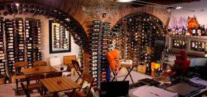 Wineplease CHAMPAGNERI' (Marina di Pietrasanta)
